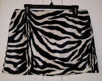 ZEBRA MINI SKIRT // 90's Express Black and White Animal Print Faux Fur Skirt Size 9/10