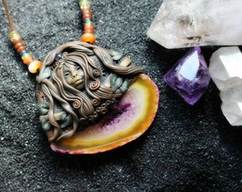 Renewal Goddess Necklace with Agate Slice and Amethyst Gemstones. Awakened Goddess Necklace.