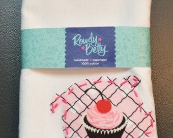 Cupcake piggy tea/kitchen towel