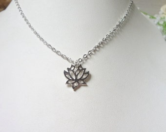 Fashion new chrysanthemum sautoir hollow-out alloy pendant necklace