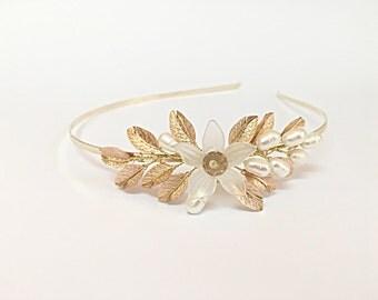 Gold wedding headband, pearl bridal tiara, flower headband for bride, wedding hair accessories, tiara headband, bridal headpiece, hair piece