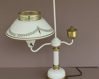 Vintage Toleware Table Lamp, White and Gold Toleware Table Lamp, 1970's Early American Accent Toleware Lamp