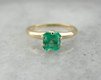 Lovely Emerald Solitaire for Engagement or Anniversary KLRK21-N