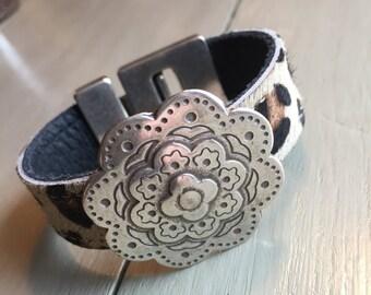 Leather Cuff, Leopard print leather, Leather Bracelet, Silver Bali Flower, Women's Leather Bracelet, Urban, Leopard cuff, black, brown