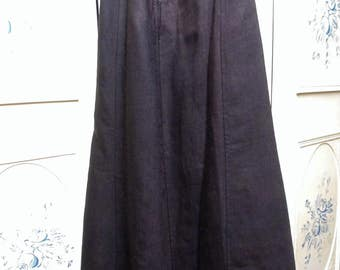 "1900 Black Wool Skirt, Waist 22"", hips 36"""