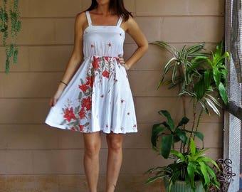 Vintage Sun Dress /  Floral  / Full Skirt / Small Medium
