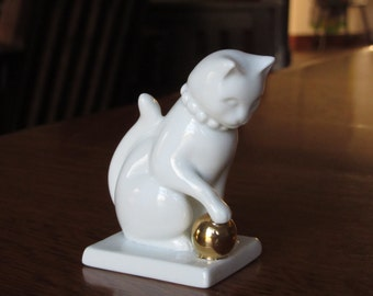Vintage 1988 Blanc de Chine White Porcelain Cat, Paperwork,Franklin Mint,Curio Cabinet Collection,Cat Lovers Gift,Ceramic White Cat Figurine