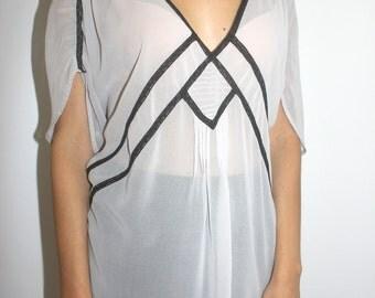 V- neck geometric blouse