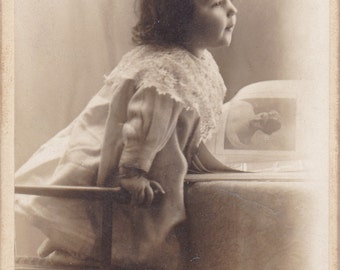 Antique CDV Photograph - Cherubic Little Girl - Lace Collared Dress