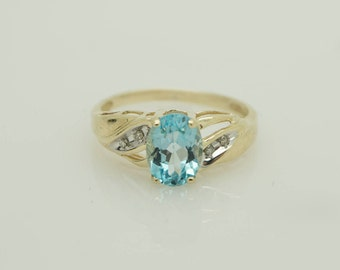 10K Yellow Gold 1.25cttw Oval Blue Topaz Solitaire w/Diamond Accents Ring-S 6.75 #3495