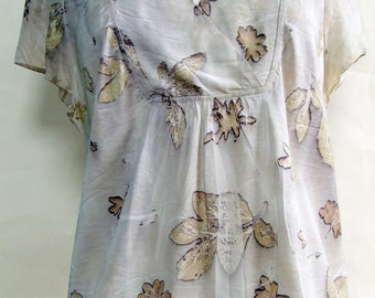 Ecoprinted silk top, geranium leaves, peopny leaves, natural dyeing, upcycled, size large