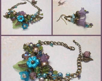 TEAL VIOLETS Cluster Bracelet, Flower Bracelet, Crystals Pearls Bracelet, Lavender, Czech Glass Bracelet, Vintage Style, Handmade, Ravengirl