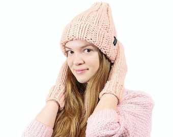 Chunky knit hat, Womens winter hat, Christmas gift, Gift for her, Girlfriend gift, Knitted hats for women, Pink wool knit hat, Hand knit hat