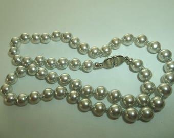 "Vintage Monet  GRAY Pearl Necklace. 15""L"