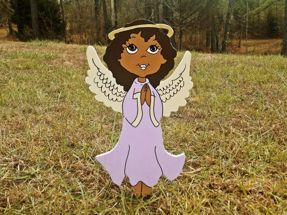 This sweet little angel will make a lovely addition to your Christmas yard display