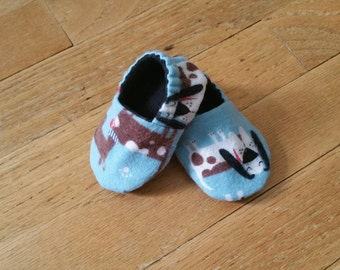 Dog baby booties, blue crib shoes, soft sole shoes, lined baby shoes, toddler slippers, flannel booties, baby shower gift