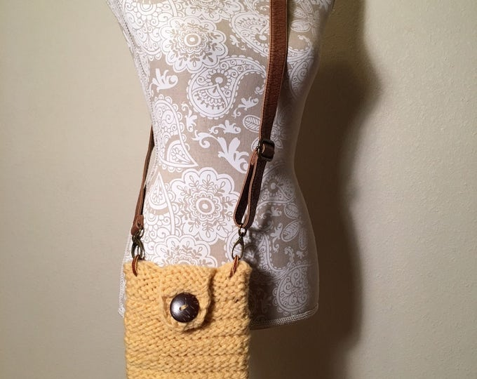 Featured listing image: Spring Break Crossbody Bag -- a loom knit pattern