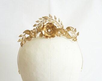 Gold garden bridal headpiece, Gold bridal flower crown, Bridal leaves hair jewelry, Bridal tiara, Floral crown, Gold bridal, Bridal Belt