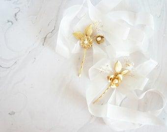 Gold Bridal Accessories, Gold bridal hair pins, Garden Wedding Hair, Bridal Hair, Gold Wedding, Wedding Hair, Pearls Bridal Hair Pins set