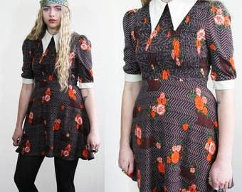 Early 1970's Mod Pointed Collar Mini Dress