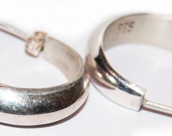 Elegant .925 sterling silver vintage earrings