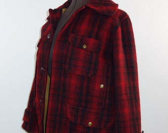 1940s 50s Woolrich red shadow plaid wool hunting coat mackinaw buffalo plaid hipster winter jacket grunge heavy fall coat