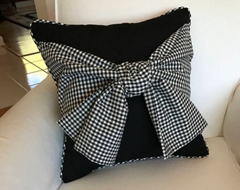 Black with check bow pillow