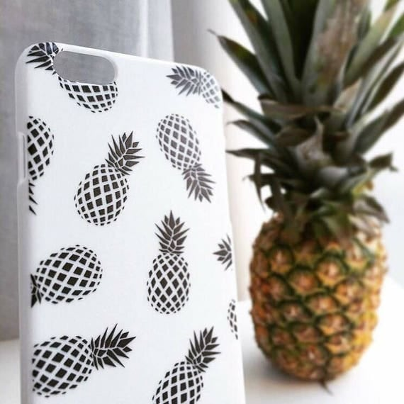 PINEAPPLES PHONE CASE • Iphone 6 • Iphone 6S • Tropical • Summer • Design • Black and white • Pineapple