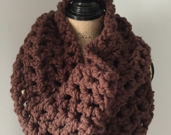 Chunky cowl in cafe latte