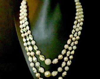 50's 3 Strand Glass Bead Necklace      GJ2572