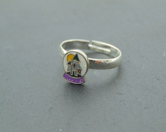 Small Cute Haunted House Glitter Ring