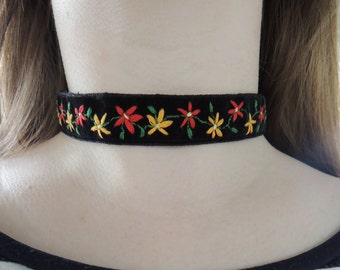 Hand embroidered reversible floral choker