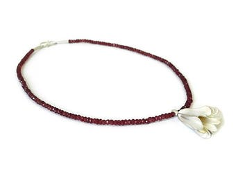Necklace silver flower and garnet beads