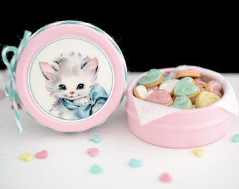 Sweet Petite Play Scale Kitschy Kitty Cookie Tin in Pink