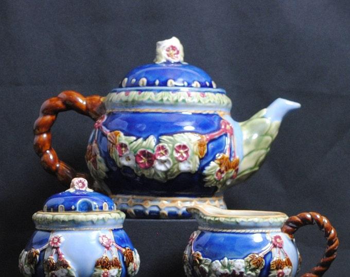 Vintage Majolica Tee Set, Tea Pot, Sugar Bowl, and Creamer, Wanjiang