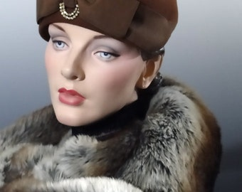 1940's Women's Hat Dark Brown Felt Brimless Toque Large Bow and Rhinestone Trim