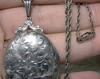 Sterling Silver Oval Photo Locket on Chain 1930s Hand Engraved WR Johnson 21 inch Chain