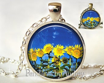 SunFlower Necklace,SunFlower Pendant,SunFlower Jewelry,Flower Jewelry,Art Pendant,Photo,Gift,Glass,Gift for Her,Gift for Girl