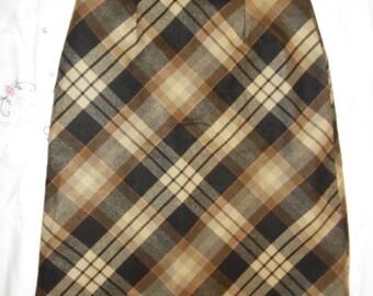 Vintage skirt, year 1970, skirt Tartan wool Skirt, year 1970 Vintage Scottish, Tartan Naps Scotswoman skirt