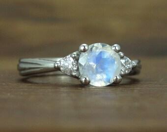 Moonstone Engagement Ring, 14K Round Moonstone Gold Ring, Antique Style Moonstone Ring, Moonstone Antique Engagement Ring, Gold Vintage Ring