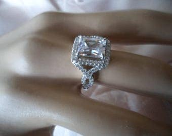 Antique Art Deco Vintage Sterling Silver Ring with White Sapphire Stones ring size P