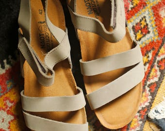 Womens Naot Kayla New Sandals 42 womens 11 never worn / Brown Leather Strappy sandal similar to Birkenstock / made in Israel