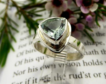 Trillion-Cut Aquamarine Ring