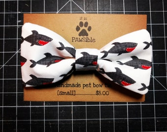 Everyday Pet Bow Tie, Shark Pet Bow Tie, Dog Bow Tie, Cat Bow Tie -- [sharky] -- BT3019
