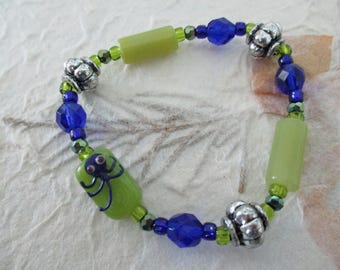 Adorable cobalt blue and lime green octopus!