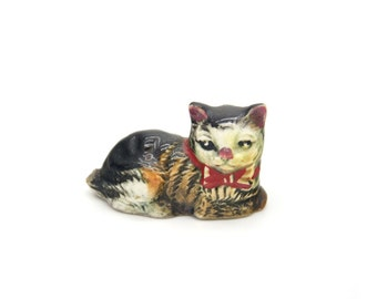 Vintage tiny cat little kitty small pet animal miniature ceramic figurine, porcelain cat figurine, porcelain figurine