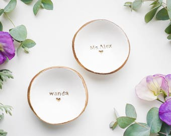 Personalized // Classic Jewelry Dish // Ring Dish // Catch all // Personalized Gift // Personalized // Valentines Gift // Bridesmaids //