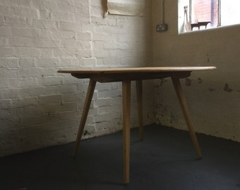 ERCOL 384 'Circular Drop leaf Table