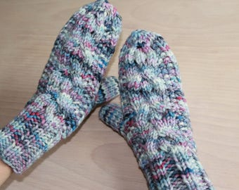Women's Merino wool cable knit mittens