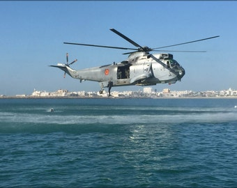 16x24 Poster; Spanish Navy Sikorsky Sh-3D Sea King Helicopter Into Cadiz Bay